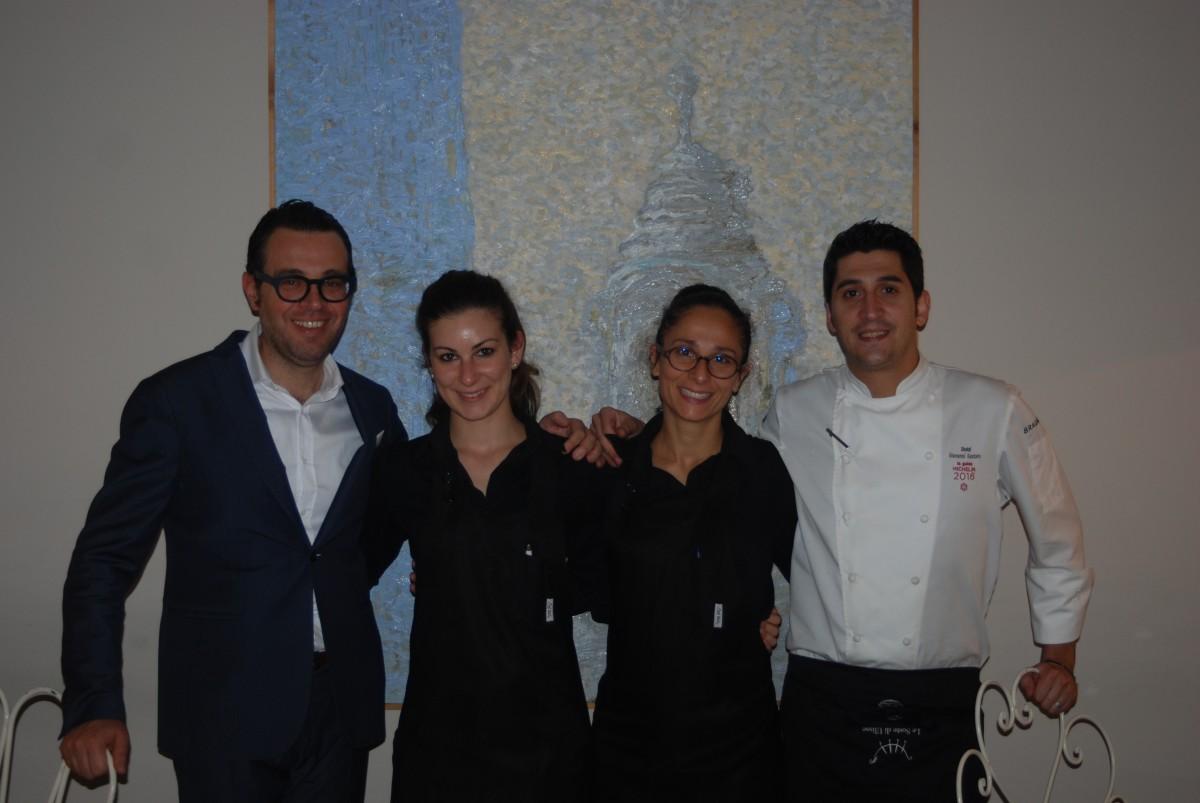 La squadra dello Shalai. Da sinistra: il proprietario Leonardo Pennisi, Katia Pollicina, Gerarda  Lipari, e lo chef Giovanni Santoro