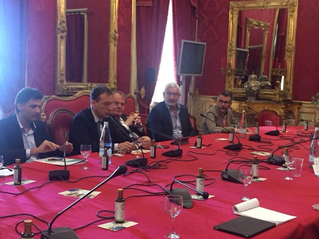 Foto Conferenza Stampa Olio per la Pace
