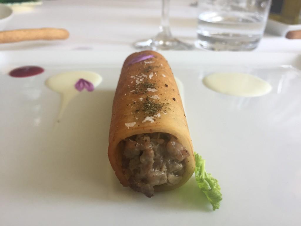 Battuto di scottona Ragusana con salsa al caciocavallo e purea di lamponi