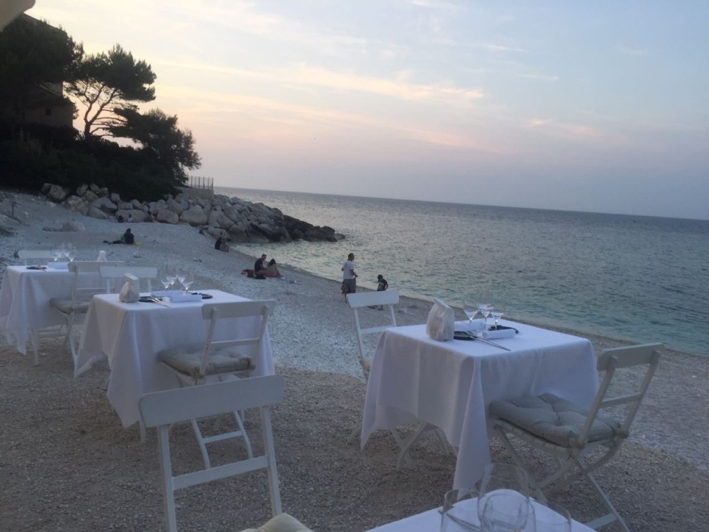 Tavolini sul mare